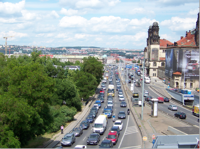 Praha - auto na autě